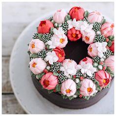Gorgeous buttercream cake from Ivenoven