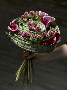 <3 <3 ADD diy www.customweddingprintables.com #customweddingprintables... Floral Art Bouquet