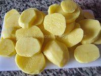 Muşchi felii cu cartofi la cuptor | Rețete BărbatLaCratiță Snack Recipes, Snacks, Kefir, Chips, Pork, Snack Mix Recipes, Appetizer Recipes, Appetizers, Potato Chip