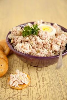 Paula Deen Ham Salad – Many years ago my mother fixed ham salad, and I liked it so much better than plain ham sandwiches. Having left- over ham from the holidays, I looked for a recipe that was much like what she made. This filled the bill. Ham Salad Recipes, Sandwich Recipes, Pork Recipes, Cooking Recipes, Dutch Recipes, Meat Salad, Soup And Salad, Chicken Salad, Great Recipes