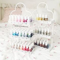 Today was a big Essie parade on the agenda From the shelf in the new Etageren which I now thanks to Makeup Storage Bedroom, Makeup Vanity Storage, Essie, Nail Polish Collection, Makeup Collection, Makeup Organization Ikea, Ikea Makeup, Organizing, Nail Polish Storage