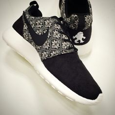 482f960bfc570 Nike Roshe One Run Winter Snowflake Black White Mens Running Shoes  807440-001