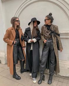 "ola⁷ on Twitter: ""manifesting fashionable friend group… "" Outfits Otoño, Winter Outfits, Fashion Outfits, Womens Fashion, Modest Fashion, Fashion 2020, Look Fashion, Grunge Fashion, Fashion Beauty"