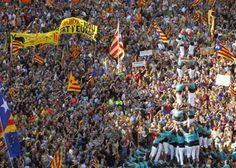 Una enquesta del diari 'Ara' revela que el 64% de la població aniria a votar al referèndum del pròxim 1 d'octubre. D'entre els ciutadans que volen prendre part en el referèndum un 41,9% votaria a favor del 'sí', mentre que un 37,8% ho farien en contra. La mostra es va celebrar entre els dies 17 i 20 de juliol entre una selecció aleatòria de 1.000 individus a tot Catalunya.