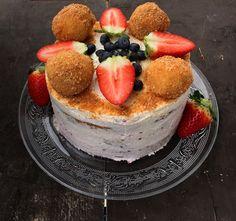 Túrógombóc torta , amitől eldobod az agyad – Cake by fari Pancakes, French Toast, Cheesecake, Lime, Pudding, Sweets, Breakfast, Food, Morning Coffee