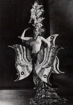 Magical The Night Circus Living Statue Folies Bergere 1909