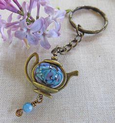 Lampwork Keychain, Keychains by lovemyjewelrystudio on Etsy $15.00
