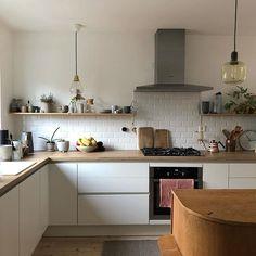 The kitchen that is top-notch white kitchen , modern kitchen , kitchen design ideas! Kitchen Room Design, Interior Design Kitchen, Kitchen Decor, Diy Interior, Kitchen Ideas, Contemporary Kitchen Interior, Kitchen Modern, White Ikea Kitchen, Scandinavian Kitchen