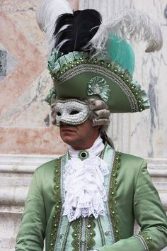 Venice Carnival Costume 2012, Carnevale di Venezia - Another perfect outfit for a guy to wear in the Capitol