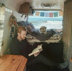 love the feeling of this space and the nook on the floor - Van life