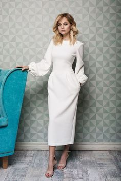 Damen outfits Festliche und elegante outfits für jeden Anlass Take a look at the best modest winter dresses in the photos below and get ideas for your outfits! Trendy Dresses, Modest Dresses, Elegant Dresses, Cute Dresses, Beautiful Dresses, Dresses For Work, Modest Outfits, Gorgeous Dress, Simple Dresses