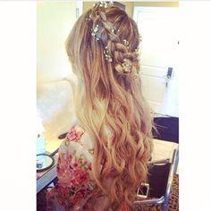 #tauni901 #babybreaths #bohemian #chic #braids #curls #bride #wedding