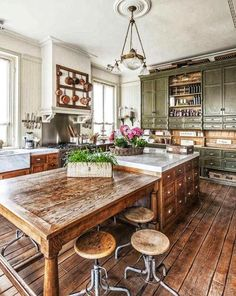Rustic kitchen design - 46 Inspiring Rustic Country Kitchen Ideas To Renew Your Ordinary Kitchen – Rustic kitchen design Kitchen Style, New Kitchen, Rustic Kitchen Design, Kitchen Remodel, Home Kitchens, Country Style Kitchen, Kitchen Interior, Kitchen Dining Room, Kitchen Inspirations
