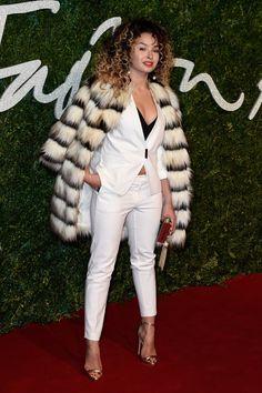 Pin for Later: Les Stars Se Sont Mises Sur Leur 31 Pour Les British Fashion Awards Ella Eyre