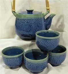 Blue Japanese teapot & teacups Japanese Tea Set, Japanese Pottery, Coffee Cups, Tea Cups, Cuppa Tea, Teapots And Cups, Gadgets And Gizmos, Tea Bowls, Tea Ceremony