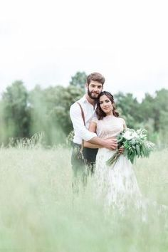 É verdade, pode acontecer... Apesar de maravilhosos, os anéis de noivado podem provocar alergias às noivas. Se estás a viver este infortúnio na pele, lê atentamente este artigo e descobre como proceder! #noivos #shesaidyes #anel #compromisso #noivado #dicas #inspirações #outono #joãopatríciophotography #casamentospt Couple Photos, Couples, Wedding, Wedding Advice, Marriage Invitation Card, Personalised Wedding Invitations, Wedding Cake Simple, Perfect Bride, Estate Engagement Ring