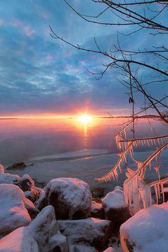 The Big Freeze, Ottawa River, Ontario by Pars Kutay