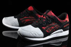The ASICS Gel Lyte III returns in a new Lumberjack Flannel buffalo plaid in red and black for a unique twist to the 1991 running retro. Available today.