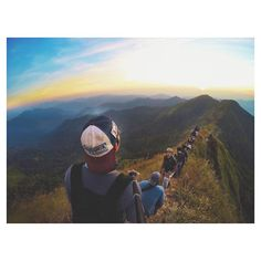 MALU Next time you hit the hiking trail, make sure to include your selfie stick in your backpack essentials, because the views are more epic than an arm's stretch allows.