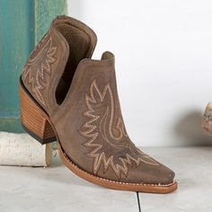 Ariat Weathered Brown Dixon Boots