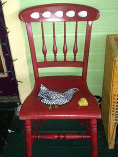 - Painted Chairs With Cushion - Reupholster Chairs DIY Leather - Hand Painted Chairs, Funky Painted Furniture, Refurbished Furniture, Furniture Makeover, Funky Chairs, Rocking Chairs, Chicken Painting, Farmhouse Dining Chairs, Kitchen Chairs