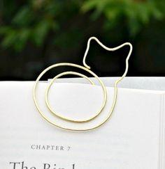 DIY Cat Bookmark (via DIY Christmas Crafts)