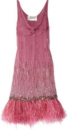 Valentino Silk Chiffon gown, looks so Fashion Moda, Pink Fashion, Fashion Week, Vintage Fashion, Womens Fashion, Estilo Gatsby, Oscar Verleihung, Pink Dress, Dress Up