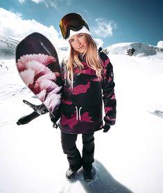 Dope Annok W Snowboard Jacket Style Snowboard, Snowboarding Style, Snowboard Girl, Snowboarding Women, Snow Fashion, Girl Fashion, Best Snowboards, Purple Camo, Snow Girl