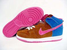 Nike SB Dunk High Pro Mr Todd Bratrud Blue Pink Michael Jordan Shoes, Air Jordan Shoes, New Jordans Shoes, Air Jordans, Nike Dunk High, Shoes Brown, High Shoes, Nike Dunks, Skate Shoes