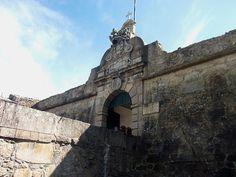 Arquivo: Castelo Povoa Portao.JPG