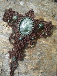"""Купить Слейв браслет с серафинитом """"Тауриэль"""" - тёмно-зелёный, Макраме, макраме украшения"""