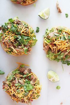 Grab your corn tortilla, rotisserie chicken, salsa, avocado, and cheese. This is baked in the oven and fready in minutes. Chicken Tostadas, Salsa Chicken, Rotisserie Chicken, Fast Dinners, Easy Weeknight Dinners, Easy Meals, Mexican Food Recipes, Healthy Recipes, Top Recipes