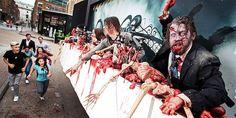Propaganda coloca zumbis em carne e osso em outdoor