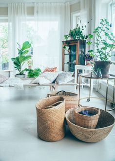 If you want a Scandinavian living room design, there are some things that you should consider and implement for this interior style. Wood as a material has an important role as well as light colors, because they give the living… Continue Reading → Living Room Scandinavian, Living Room Decor, Living Spaces, Home Interior, Interior Design, Interior Doors, Decoration Inspiration, Decor Ideas, Style Inspiration