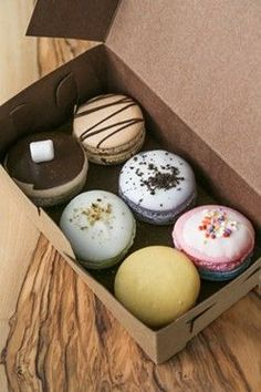 Even though there are enough variations of macarons to make anyone happy, the second case of treats in the store is well round and rotates like the macarons Berry Muffins, Apple Muffins, No Bake Cookies, Chip Cookies, Visit Savannah, Mexican Hot Chocolate, Heath Bars, State Street, Our Daily Bread