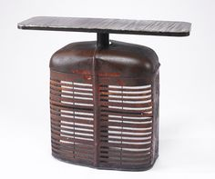 holy cow. old truck/tractor grill table : farmall table Car Part Furniture, Metal Furniture, Upcycled Furniture, Painted Furniture, Furniture Ideas, Grill Table, Metal Art Sculpture, Trash To Treasure, Antique Tractors