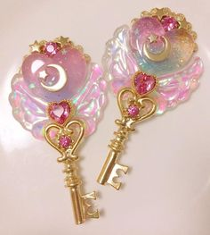 The keys to the Kingdom in Girl World <3