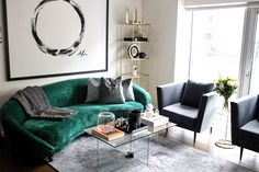 MONOCHROME AND MODERN BRASS CLASSICS WITH A CHIC AND MALLEABLE POP OF COLOUR Home Decor Styles, Cheap Home Decor, Dream Rooms, Living Room Inspiration, Couch, Pillows, Interior, Modern, Projects