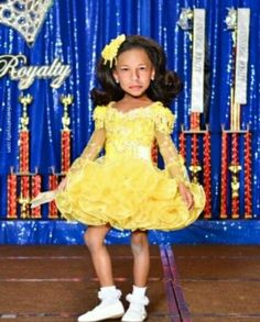 Universal Royalty Children Beauty Pageants, Baby Pageant, Little Miss Texas beauty pageant. Beauty contests for babies, toddlers and teens. Baby Pageant, Glitz Pageant Dresses, Miss Texas, Toddlers And Tiaras, Teen Beauty, Beauty Contest, Beautiful Little Girls, Cool Outfits, Flower Girl Dresses