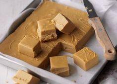 Zutaten: 400 g Kondensmilch 150 ml Milch 450 g brauner Zucker 115 g Butter Vorbereitung: Wir geben alle Zutaten in … Continued