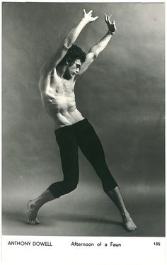 Moves, Anthony Dowell in 'Afternoon of a Faun' Human Poses Reference, Pose Reference Photo, Body Reference, Anatomy Reference, Figure Drawing Reference, Dance Photography Poses, Body Photography, Art Poses, Drawing Poses