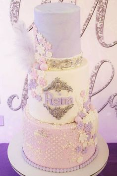 Swoon over this fabulous Winter Onderland 1st birthday party! The cake is so pretty! See more party ideas and share yours at CatchMyParty.com #catchmyparty #partyideas  #cake #winterwonderland #winterparty #girl1stbirthdayparty #winteronederland