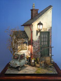 miniature   Pub  Peel