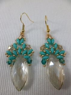 Jewelry Making Beads The Beading Gem's Journal: Two Beaded Crystal Briolette Earrings ~ Seed Bead Tutorials Seed Bead Jewelry, Bead Jewellery, Seed Bead Earrings, Diy Earrings, Crystal Earrings, Seed Beads, Bracelets Diy, Stretch Bracelets, Super Duo Beads