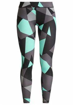 Los Pantalones Deportivos De Mujer  Unos pantalones deportivos de mujer…