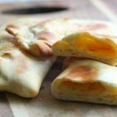How can naan bread get any better? Well, let me show you how. Add a filling, and who needs the curry? Not me.