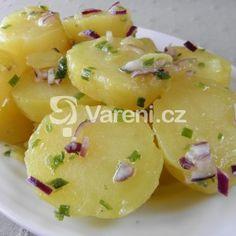 Fotografie receptu: Lehký bramborový salát s pažitkou