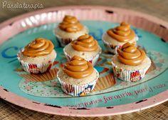 Cupcake de Churros - 1 ovo; - 3 colheres (sopa) de óleo; - 8 colheres (sopa) de leite; - 3/4 xícara de farinha de trigo; - 1/2 xícara de açúcar; - 1 colher (café) de essência de baunilha; - 1/2 colher (sopa) de canela; - 1 pitada de sal; - 1/2 colher (sopa) de fermento em pó.