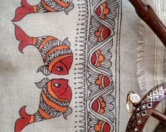 Madhubani Paintings Peacock, Kalamkari Painting, Madhubani Art, Indian Art Paintings, Gond Painting, Lotus Painting, Peacock Painting, Fabric Painting, Saree Painting Designs