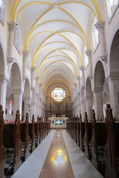 Church of St. Israel Tours, Cathedral Church, Holy Land, Place Of Worship, Beautiful Architecture, Kirchen, France Travel, Pilgrimage, Travel Usa